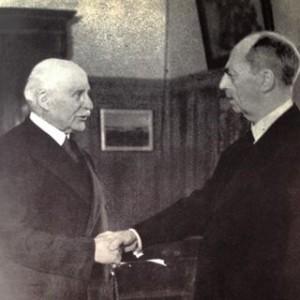 Le chef de l'Etat Français et l'ambassadeur des Etats-Unis, l'amiral Leahy